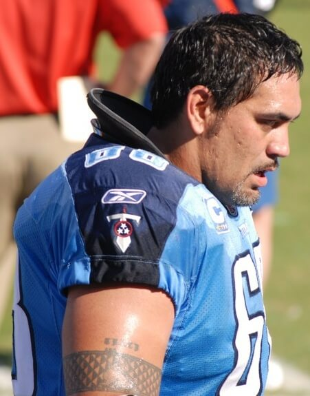 Kevin Mawae in a Titans jersey