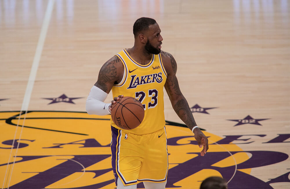 9bcf60b5537 Are LeBron James and the Lakers Headed Towards A Split  Odds Say James  Remains in LA For 2019-20 Season