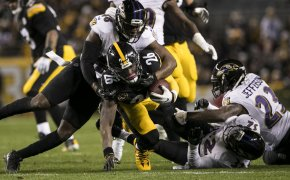 Le'Veon Bell Steelers RB being tackled
