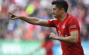 Ronert Lewandwoski celebrates another goal for Bayern Munich