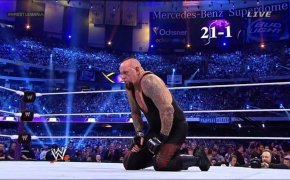 Undertaker suffers his first loss at Wrestlemania 30.