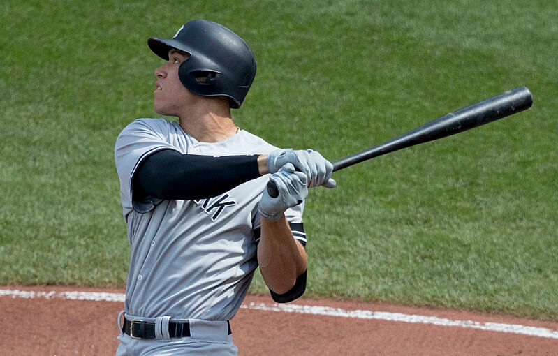 NY Yankees right fielder Aaron Judge swinging the bat