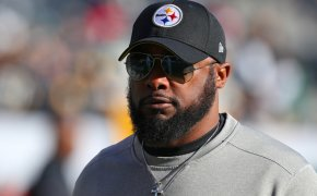 Closeup of Mike Tomlin on the Pittsburgh Steelers sideline