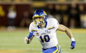 Jackrabbits receiver runs route