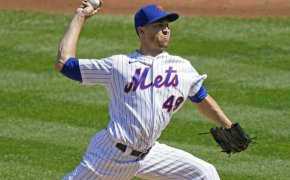 New York Mets pitch Jacob deGrom in the middle of thorwing a