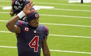 DeShaun Watson waving