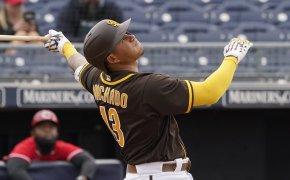 Manny Machado takes a big cut vs Cincinnati
