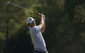 Jordan Spieth hits approach