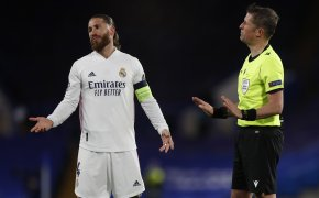Sergio Ramos gesturing while speaking to referee