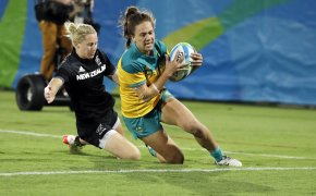 Australia's Evania Pelite scoring a try