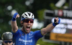 Mark Cavendish celebrating a stage win