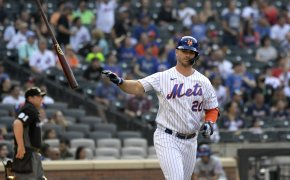 Pete Alonso flipping his bat