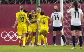 Australian women celebrate goal