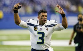 Russell Wilson arms up