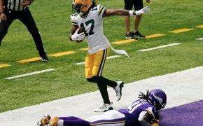 Davante Adams hauling in a touchdown